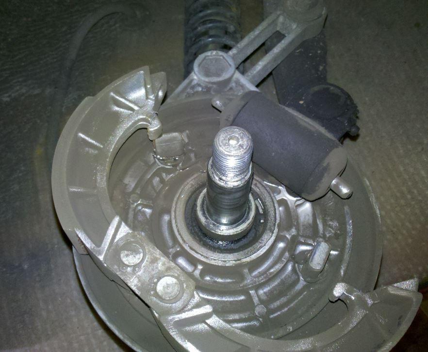 bremsnocken-steht-wieder-schief-jpg.3350