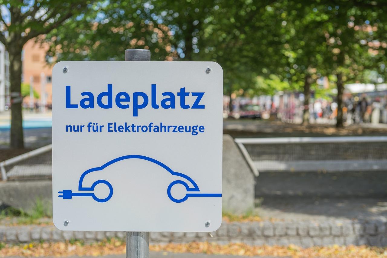 electric-car-3585681_1280-jpg.5931