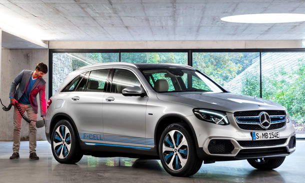 mercedes-glc-f-cell-tanken-jpg.3479