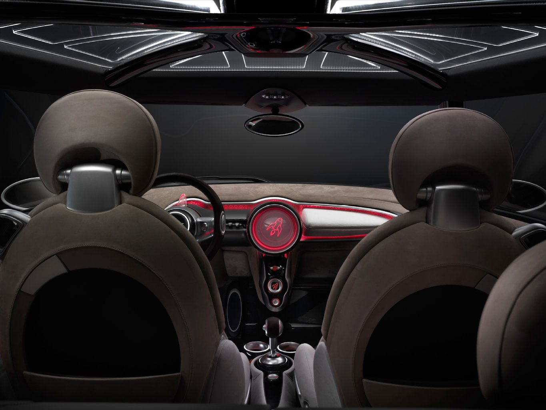 mini-rocketman-backseat-jpg.5375