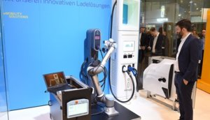 Laderoboter-innogy-e-world.jpg
